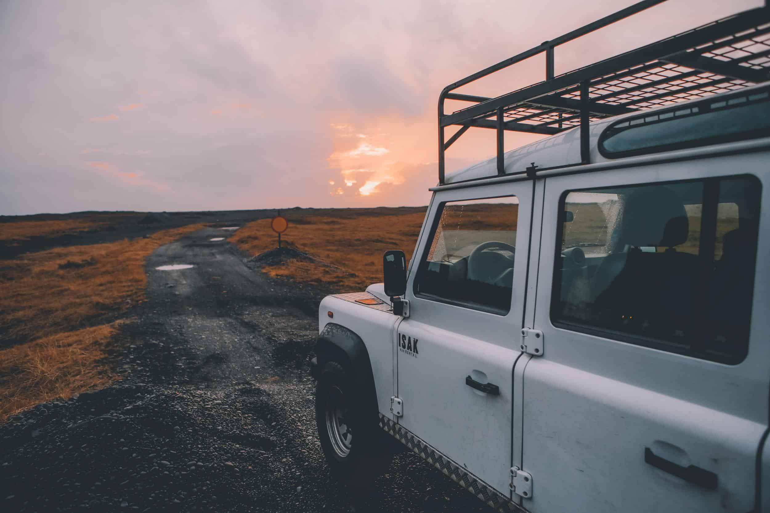 5 REASONS WHY THE LAND ROVER DEFENDER IS SO EXPENSIVE!?