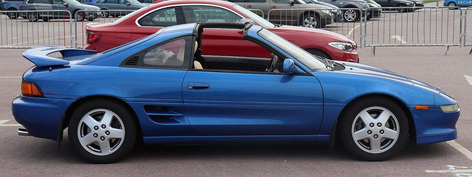 TOYOTA'S TERRIFIC TARGA: THE MR2